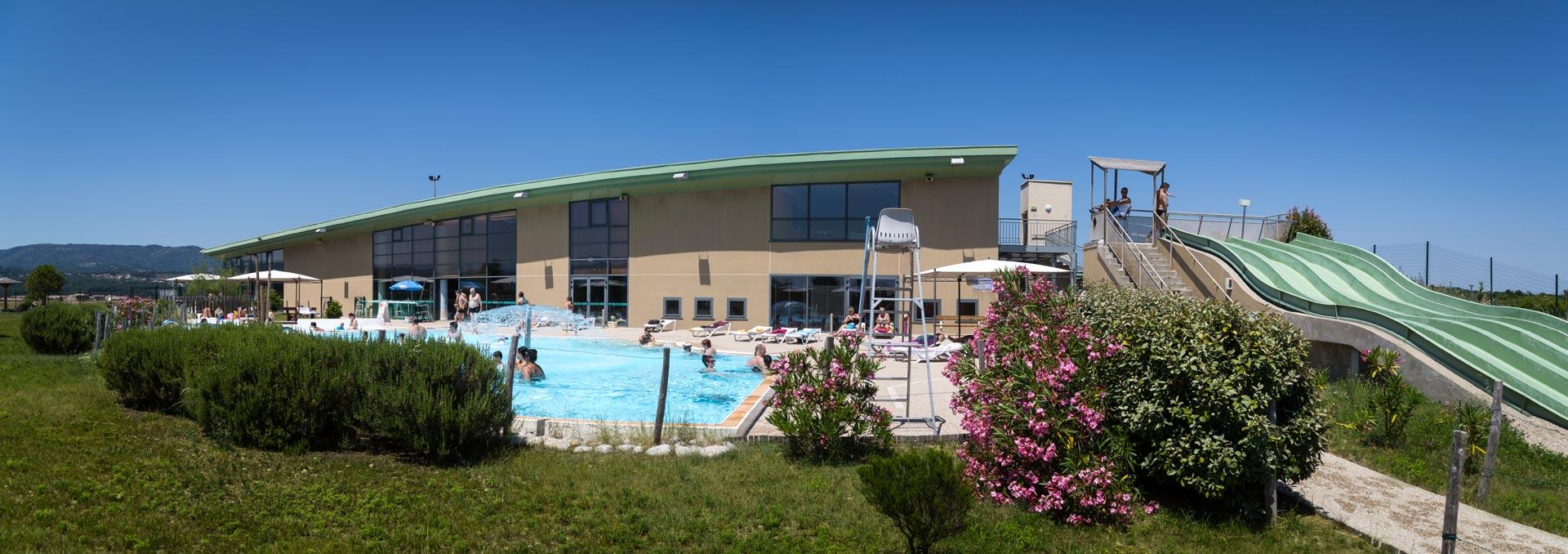 Vue d'ensemble, extérieur piscine
